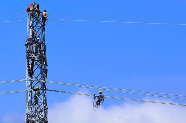 Transformacje i napięcia - jak w energetyce ciąć koszty