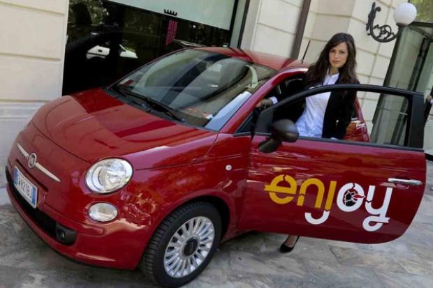 """""""Enjoy"""" dla turystów - czyli""""car sharing"""" z """"500"""" w roli głównej"""