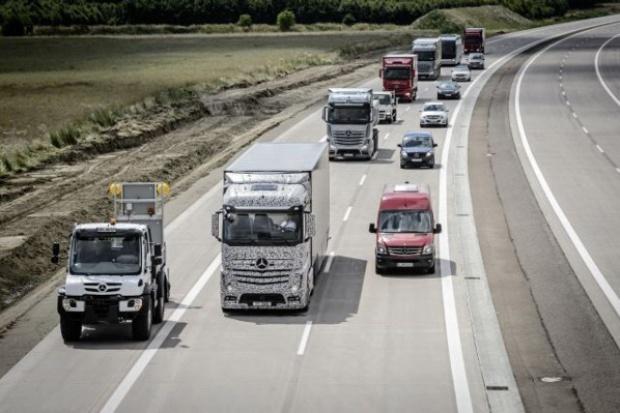 Mercedes testuje ciężarówkę przyszłości