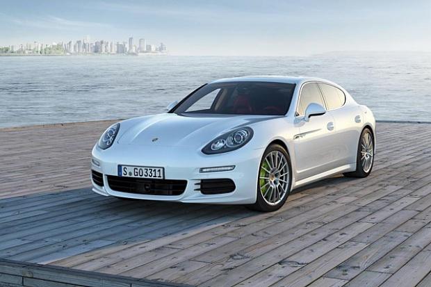 Porsche sprzedaje więcej hybryd