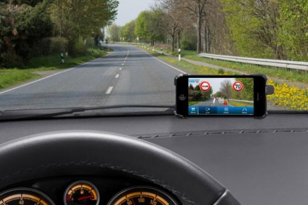 Smartfony rozpoznają znaki drogowe