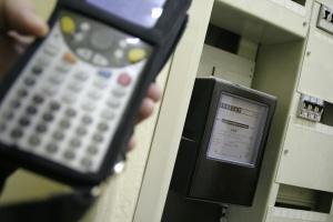 Coraz więcej Polaków zmienia sprzedawcę prądu