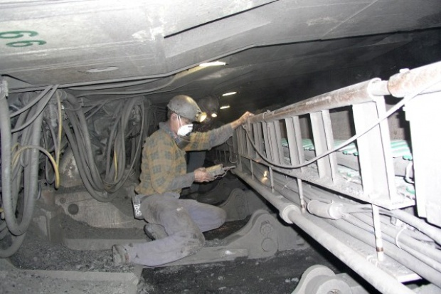 Słaby kwartał dla giełdowych spółek wydobywczych