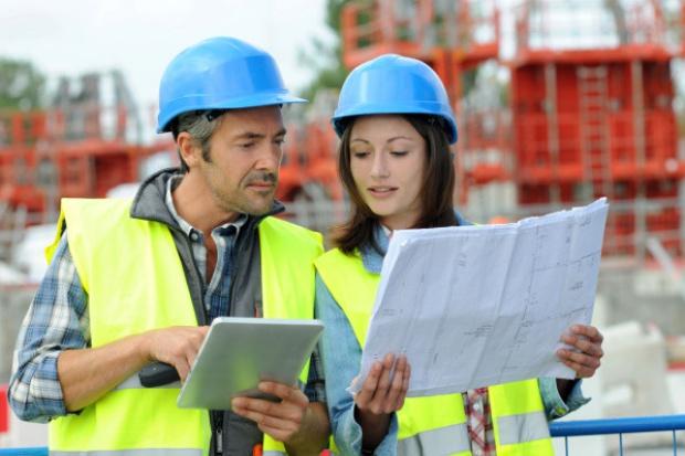 Budownictwo: trudności pozostały, ale poprawia się sytuacja finansowa firm