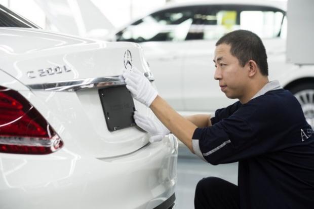 Wydłużona Klasa C zwiększa gamę Mercedesa w Chinach