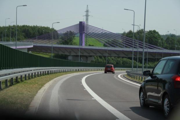 Tusk: w sierpniu w weekendy bramki na A1 bez opłat