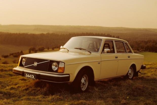 """Dziś takich aut nikt już nie robi - """"czterdziestka"""" Volvo 240"""