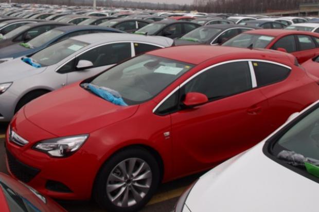 W sierpniu spadła produkcja aut - rdr o 36,93 proc.
