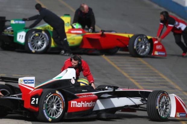 Ruszają wyścigi elektrycznej Formuły 1