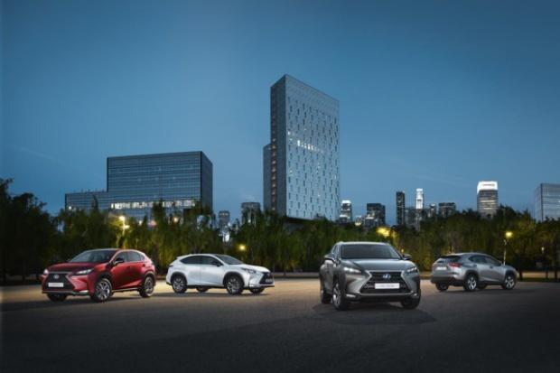 Lexus w Paryżu