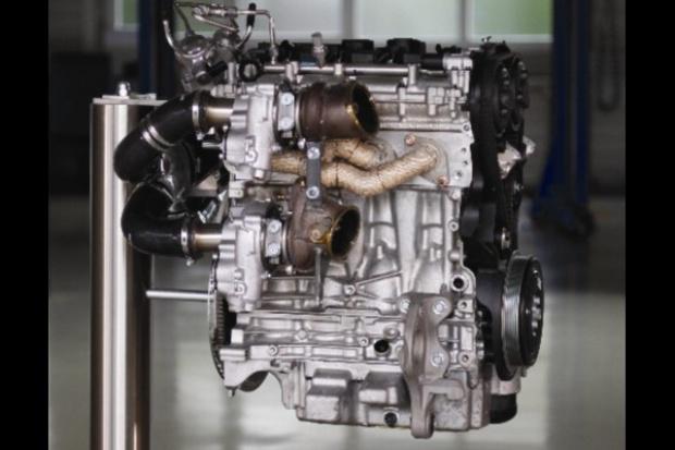 450 koni z silnika 2.0 z... potrójnym turbo