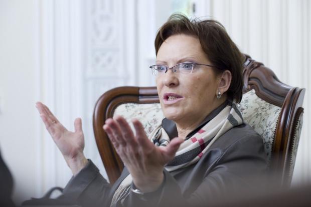Kopacz: dwa warunki przyjęcia przez Polskę euro