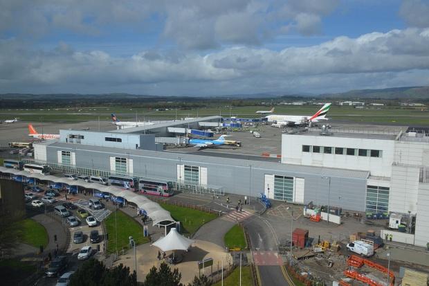 Trzy brytyjskie lotniska sprzedane za miliard funtów