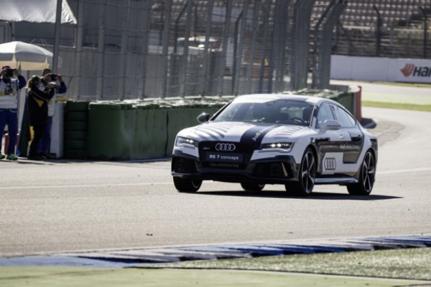 Próba zaliczona: wyścigowe Audi pojechało bez kierowcy