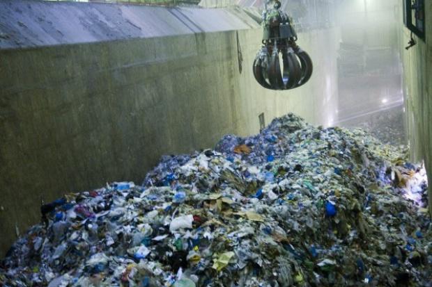 Budowane spalarnie wykorzystają tylko 10 proc. odpadów komunalnych