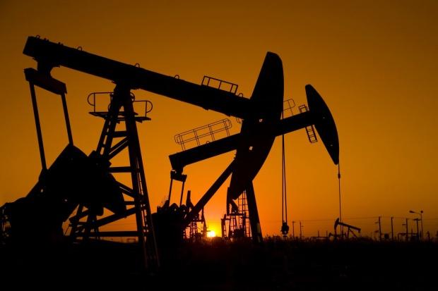 Ropa kontynuuje trend spadkowy