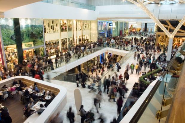 Więcej centrów handlowych, mniej pustostanów