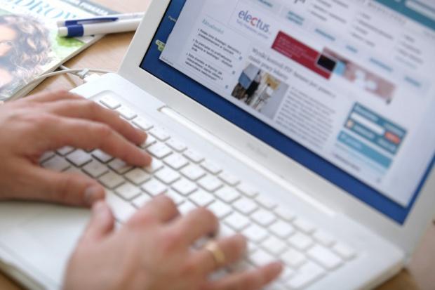 Polacy wykluczeni cyfrowo? Co trzeci w ogóle nie korzysta z internetu