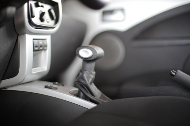 UE rozważa obowiązkowy montaż rejestratorów w samochodach