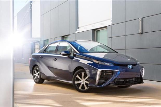 Wodorowe ogniwa paliwowe w pierwszej seryjnej limuzynie na świecie