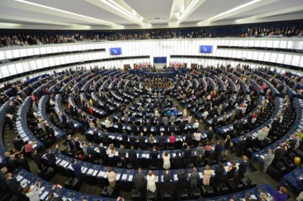 PE zaniepokojony opóźnieniami dot. programów wydawania środków UE