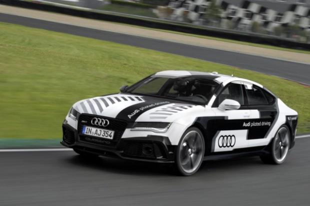 Autonomiczne Audi wraca na tor