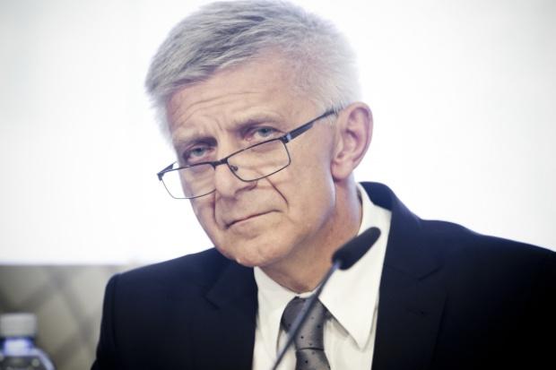 Prof. Belka: tania ropa i słaby rubel mogą zaszkodzić polskiej gospodarce