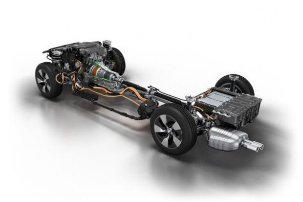 BMW: będzie więcej hybryd plug-in