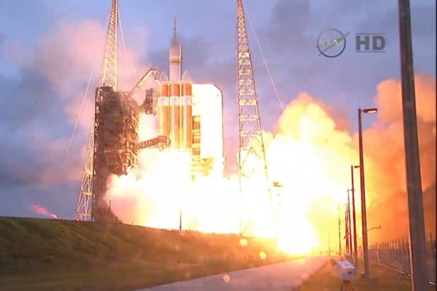 Udany próbny lot statku kosmicznego Orion