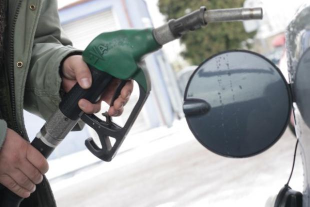 Na stacjach paliw prezenty w postaci obniżek