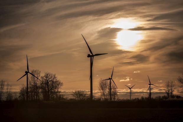 Projekt ws. elektrowni wiatrowych w komisji nadzwyczajnej