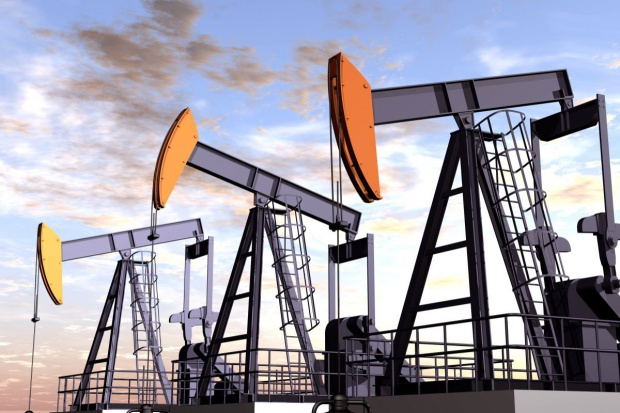 Firmy naftowe tną wydatki na wydobycie