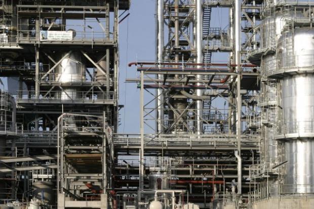 Parlament Europejski uratował polskie rafinerie