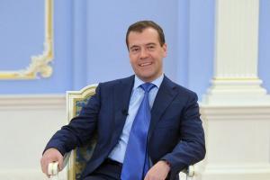"""Miedwiediew ostrzega przed ryzykiem """"głębokiej recesji"""""""