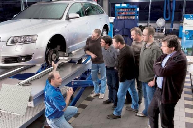 ZF Services rozwija program szkoleń dla profesjonalistów