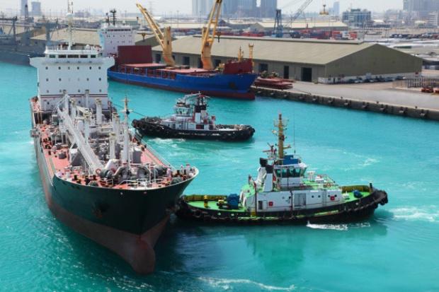 Libia: tankowiec zbombardowany w porcie, dwóch zabitych