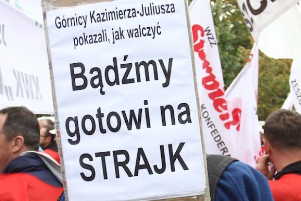 Protestują górnicy w czterech kolejnych kopalniach
