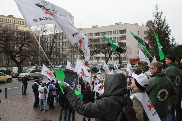 Górnicze związki wystosują do rządu zmodyfikowaną propozycję porozumienia ws. KW