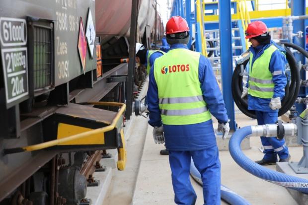 Ropa z kopalni PGNiG już w Lotosie