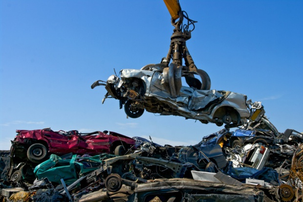 Projekt ustawy o recyklingu pojazdów - do komisji środowiska