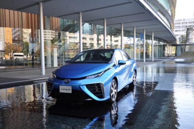 Toyota zwiększa produkcję wodorowego auta