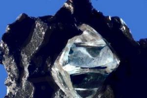 Diamenty: popyt rośnie, a z podażą problem