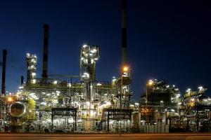 Rafinerie pod klimatyczną presją