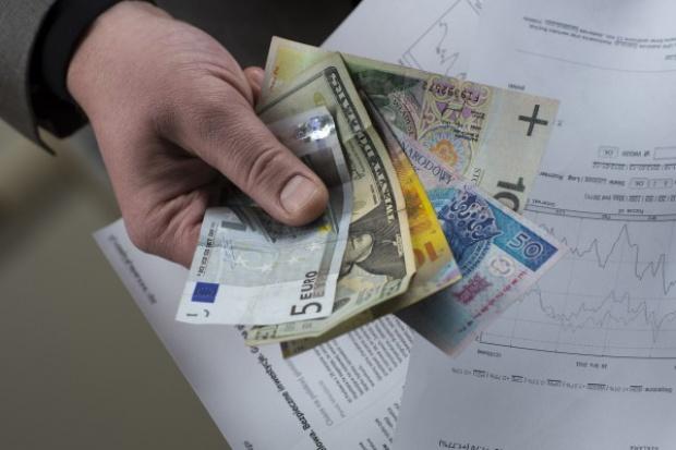 Prezydent rozmawiał z prezesem NBP ws. kredytów we frankach