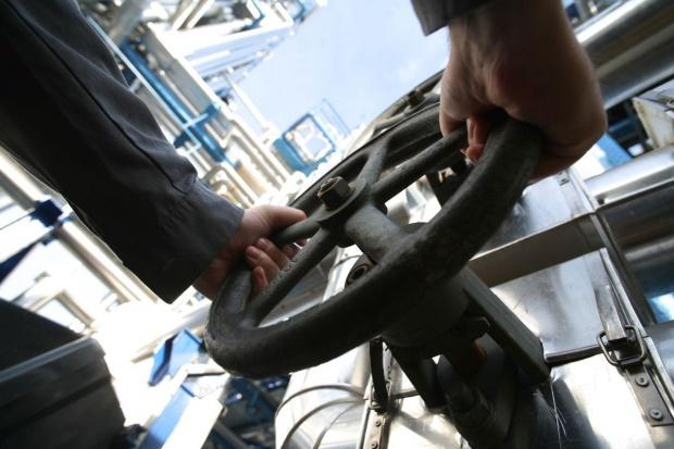 GUS: spadła produkcja ropy i paliw