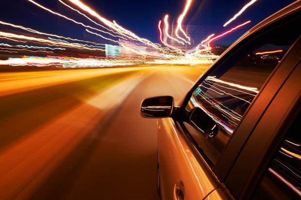 Polacy chcą wyższych prędkości na drogach