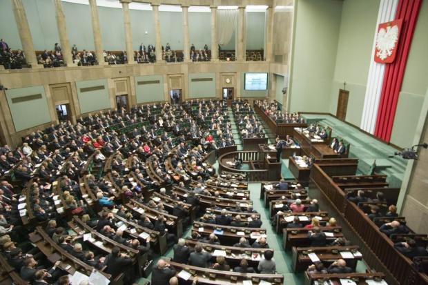 W Sejmie pierwsze czytanie projektu dot. odwróconego VAT