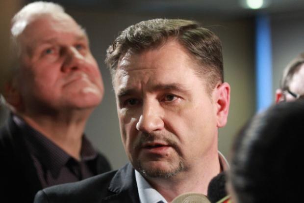 Duda: prezes JSW nie chce zrezygnować, bo nie dostałby milionowej odprawy