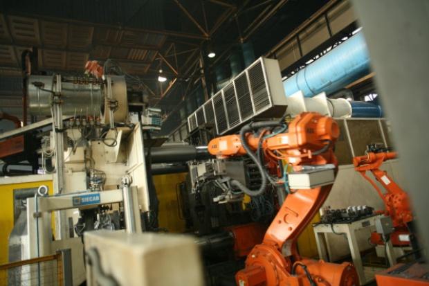 WAT zamówił stanowiska robotów od ZAP-Robotyka