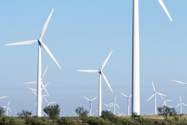 W UE więcej nowych źródeł wiatrowych niż gazowych i węglowych